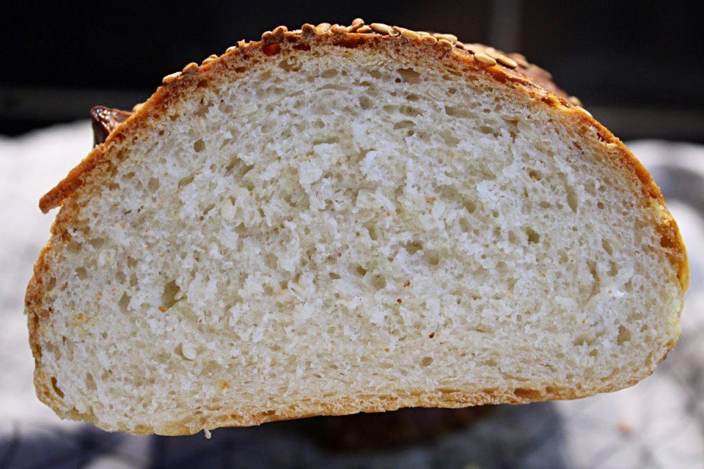 Chlebek francuski z sezamem